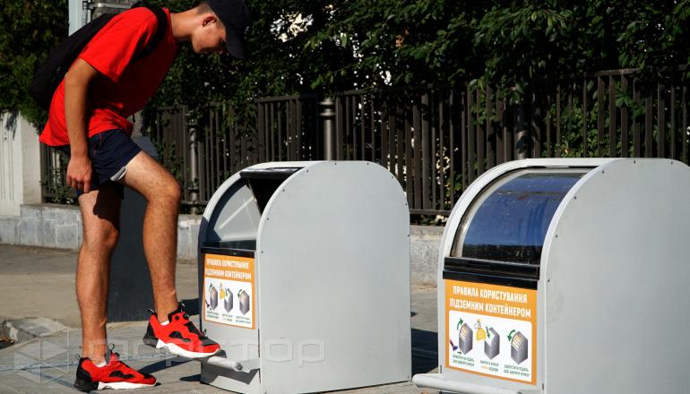 Подъемник для подзеного мусорного контейнера